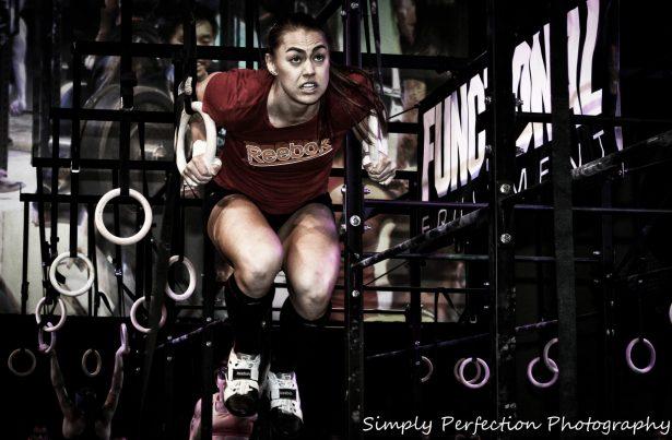 Katie Hogan crossfit muscle up