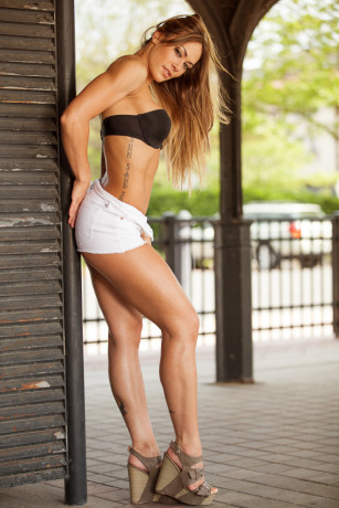 Nikki Leonard
