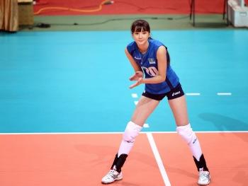 Sabina-Altynbekova-Volley