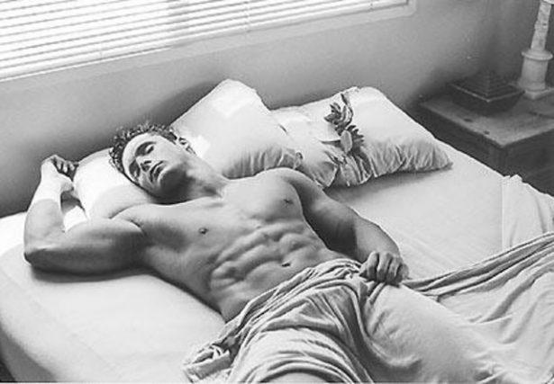 bodybuilder-sleep-3